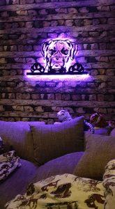 Hunde 3D-Wanddekoration aus Holz mit LED Licht