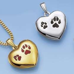 Herzen mit Hundepfoten